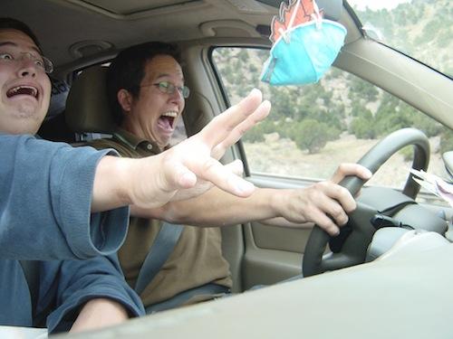 roxy-screaming-in-car